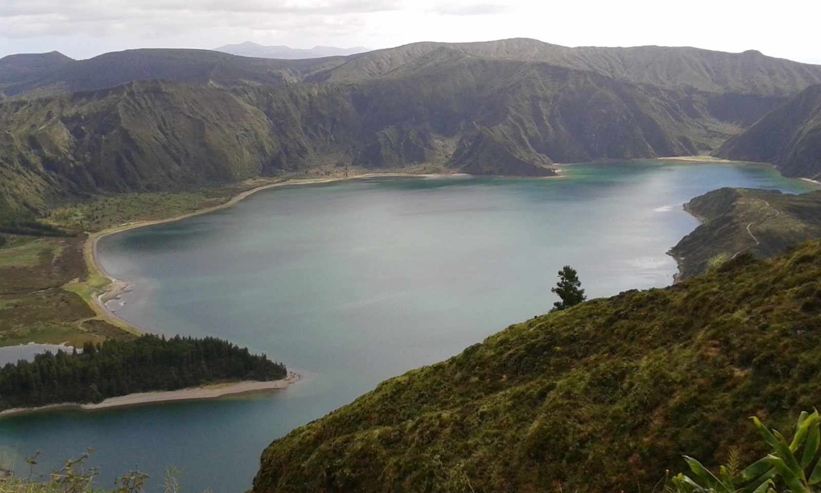 Lagoa do Fogo hiking trails in Sao Miguel