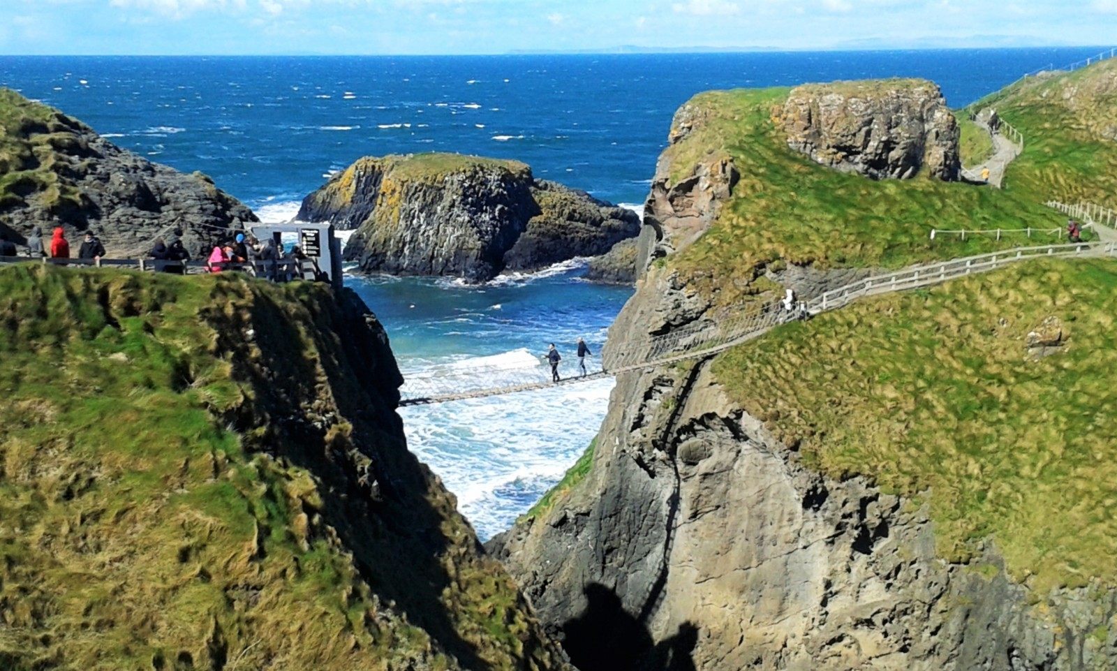 things to do in Northern Ireland Carrick-a-Rede Rope Bridge