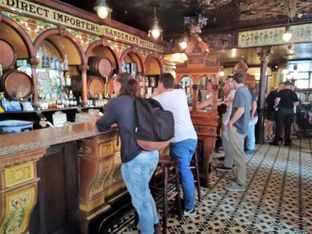 traditional pubs in Belfast Crown Liquor Saloon