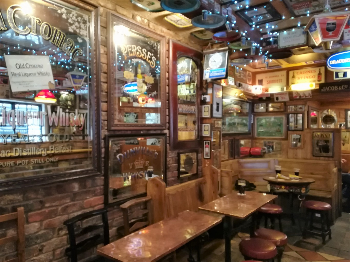 traditional pubs in Belfast Duke of York pub crawl Belfast