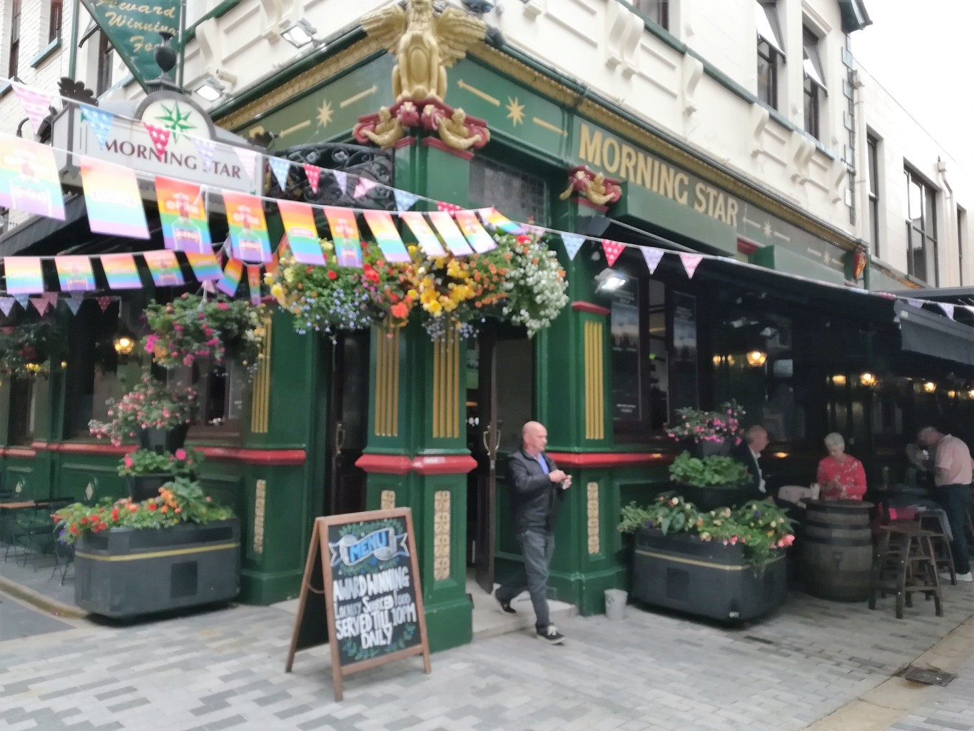 traditional pubs in Belfast Morning Star