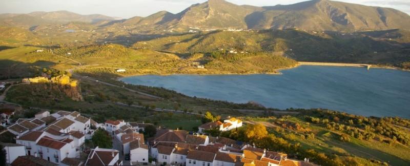 zahara de la sierra white villages in Andalucia