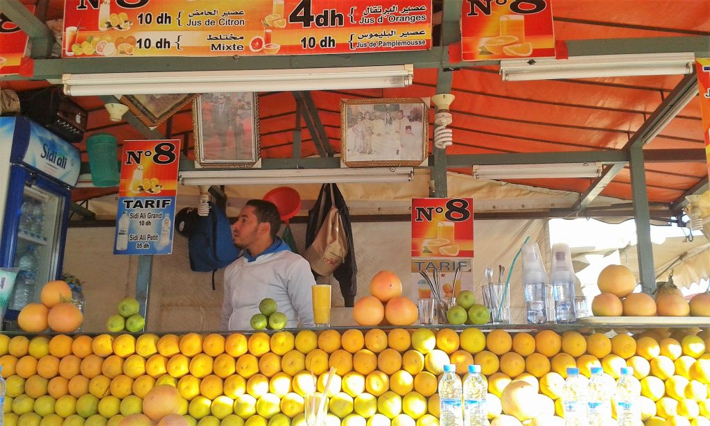 djemaa el fna marrakech orange juice stall