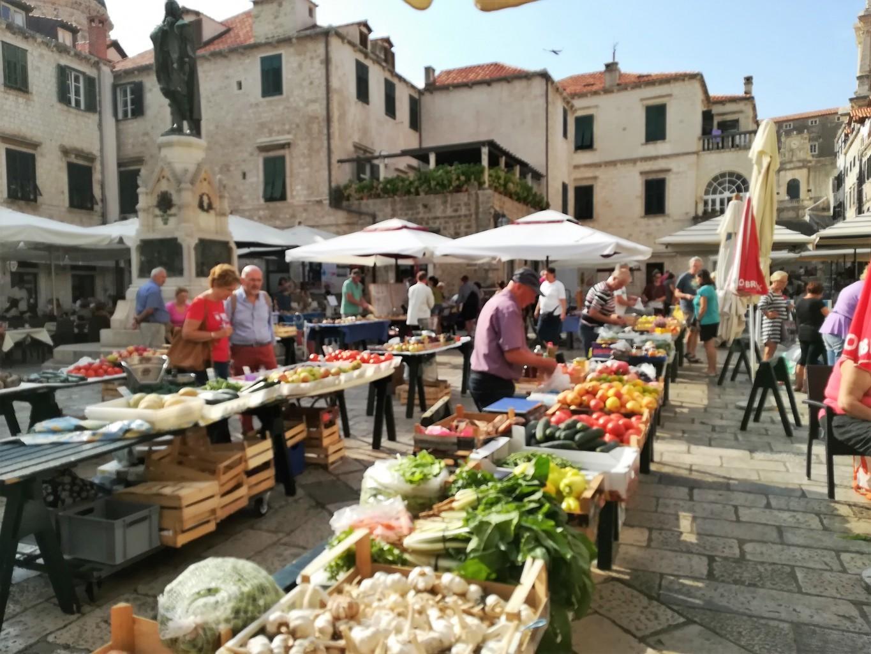 Gunduliceva poljana market Dubrovnik