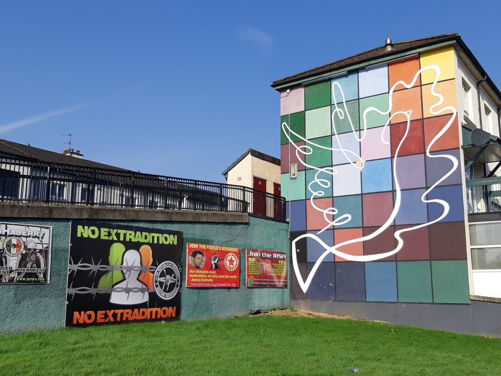 peace mural derry