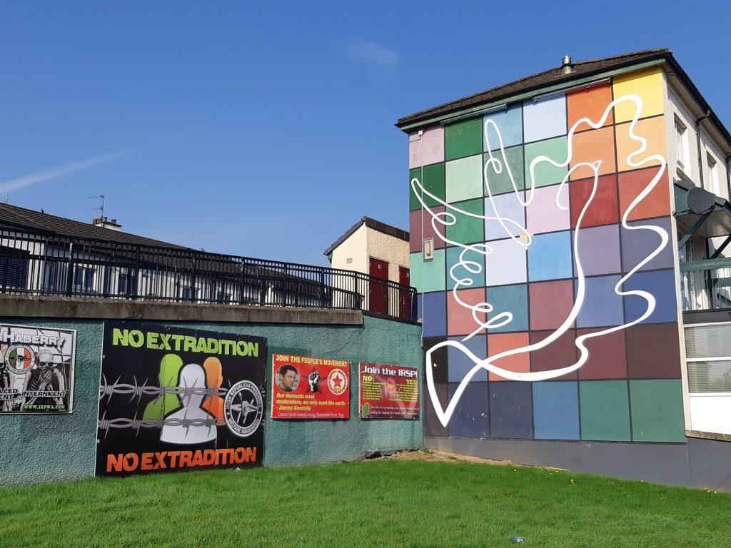 peace mural derry