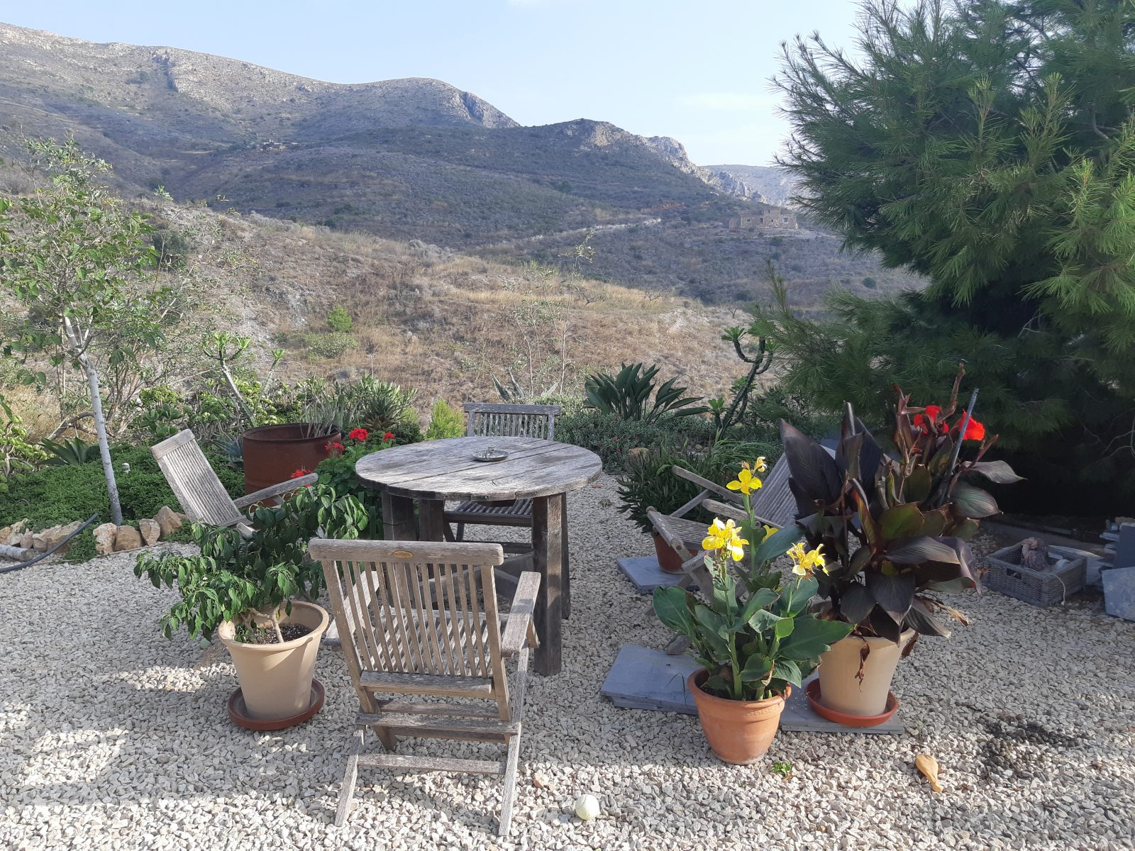 off the grid house sitting in Spain