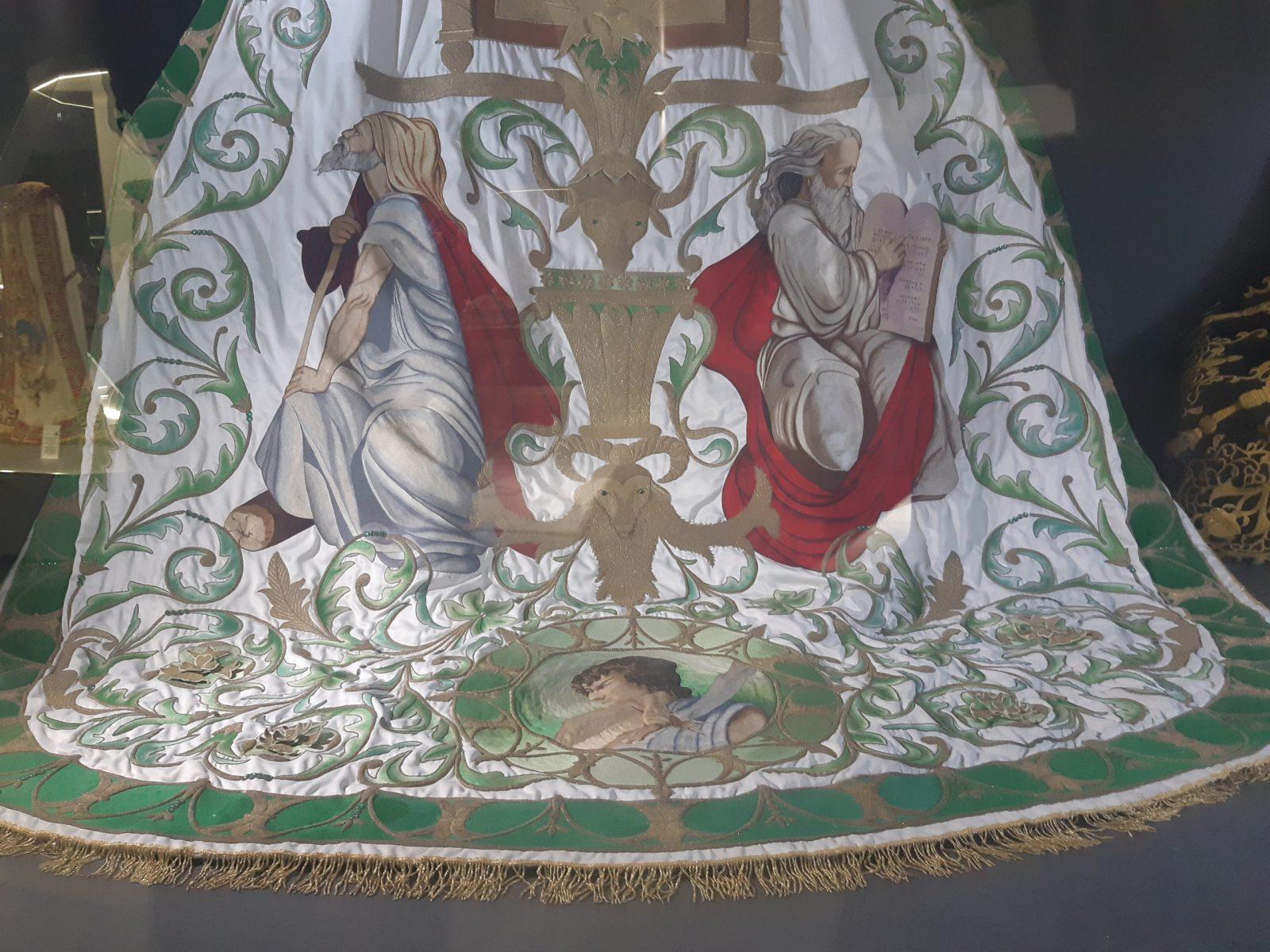 embroidery paso blanco lorca